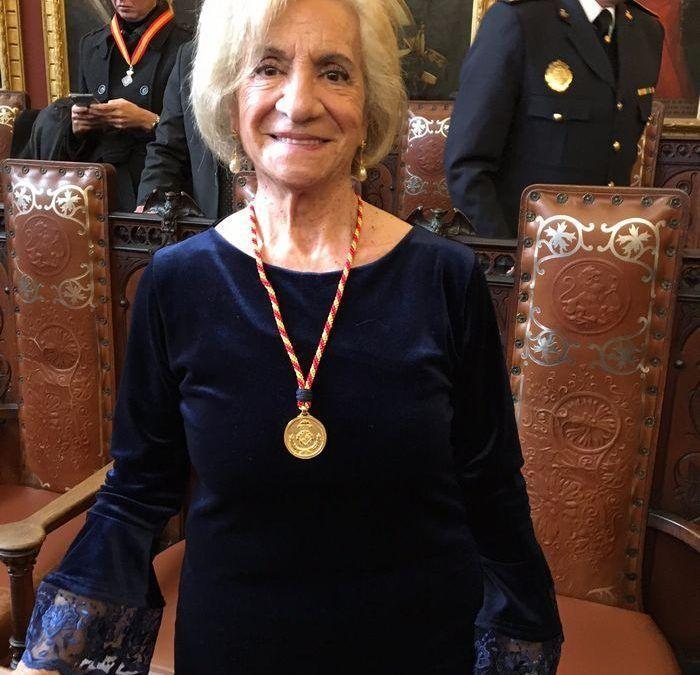 Palma entrega la medalla de oro a Respiralia