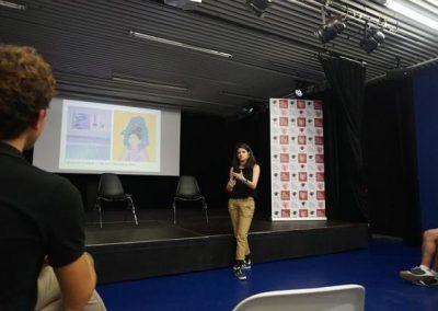 Elisa Gonzalez Crepitantes durante la charla