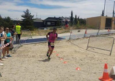 Jonatan en carrera al fina del triatlon